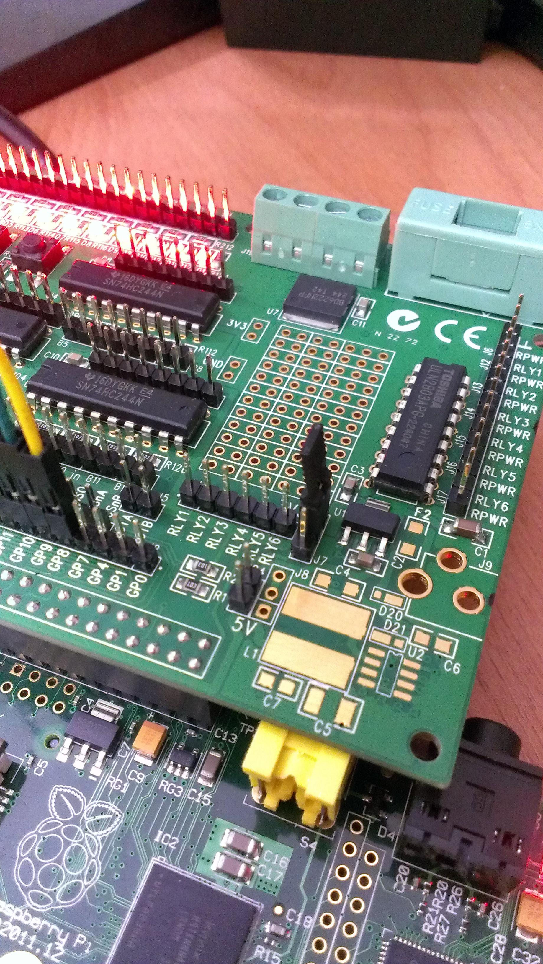Gertboard Raspberry Pi Wonderland Wiringpi Servo Example Jumper Over J7